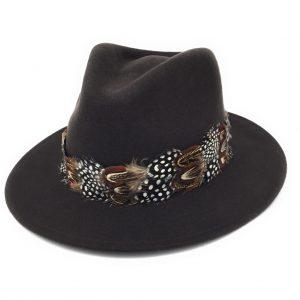Chapeau Fedora Chadlington avec enveloppe en plumes