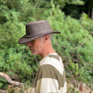 Chapeau de brousse en cuir d'aventurier